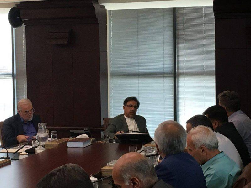 نشست وزیر راه و شهر سازی با نمایندگان صنف های رانندگان بار